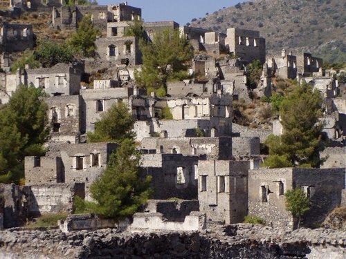 Levissi, pueblo abandonado