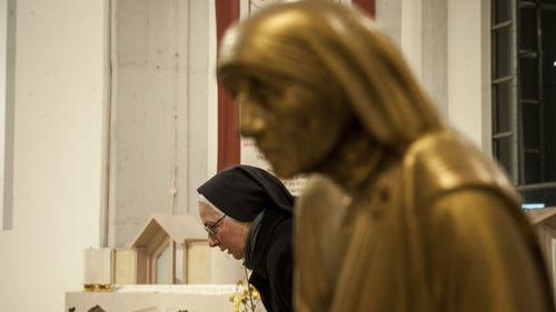 Monumento a la madre Teresa de Calcuta en Sarajevo